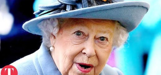 10 times queen elizabeth has broken her own royal rules youtube thumbnail 520x245 - 10 Times Queen Elizabeth Has Broken Her Own Royal Rules