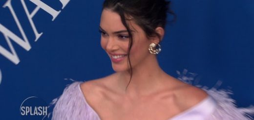 kendall jenner didnt feel as sexy as sisters daily celebrity news splash tv youtube thumbnail 520x245 - Kendall Jenner didn't feel as 'sexy' as sisters | Daily Celebrity News | Splash TV